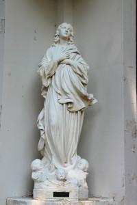 Whitekamp statue